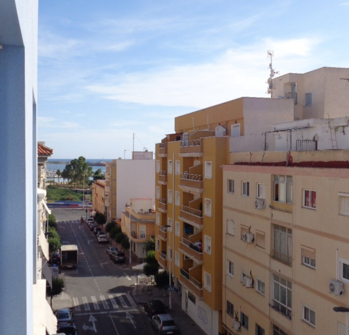 Cozy apartment in Torrevieja just 300 meters from the Acequión Beach