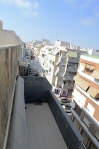 Fantastic Penthouse with Private Solarium of 40 m² and Garage in the Center of Torrevieja