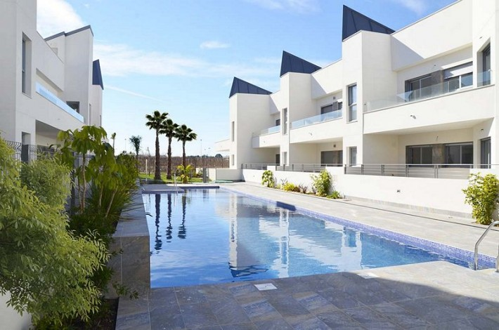 New Development of Townhouses just 300 meters from the sea, Torrevieja